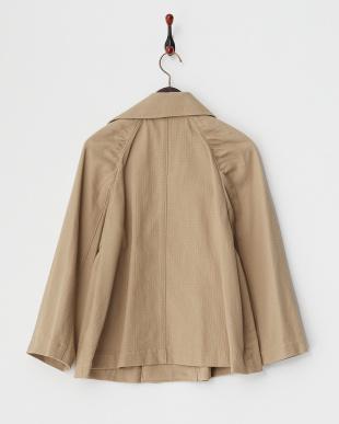 ベージュ タック入りジャケット見る