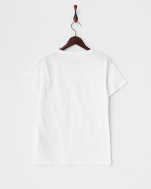 ホワイト  ChampionポケTシャツ見る