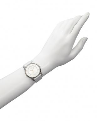 シルバー×ホワイト  ラウンド薄型レザーウォッチ|UNISEX見る