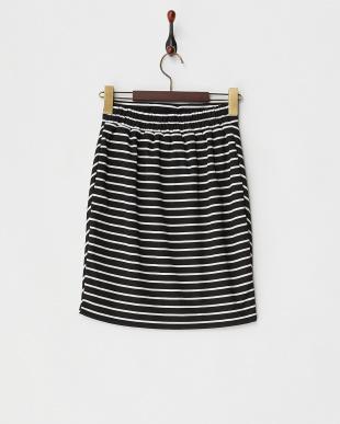 ブラック×ホワイト  ボーダースカート見る