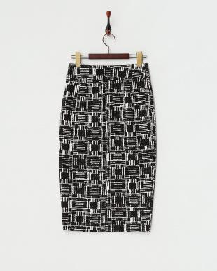 ブラック  グラフィカルミディ丈スカート見る