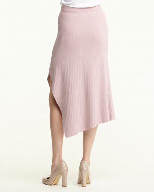 ピンク リブニット変形ヘムスカート見る
