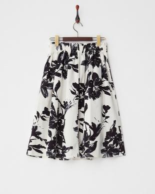 オフホワイト  モノトーンボタニカルスカート見る