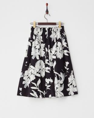 ブラック  モノトーンボタニカルスカート見る