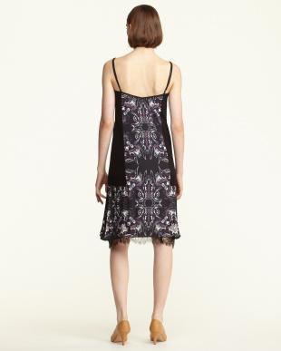プリント×ブラック サイドニット裾レースキャミドレス|WOMEN見る