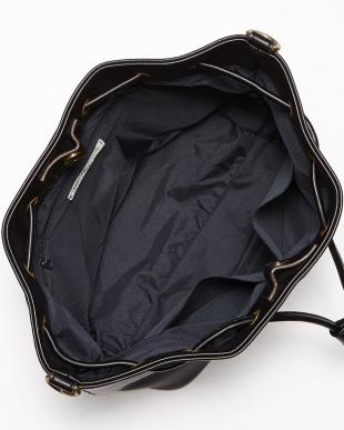 ブラック  フェイクレザー巾着バッグ見る