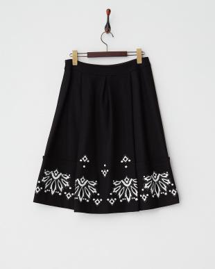 ブラック  刺繍ウールスカート見る
