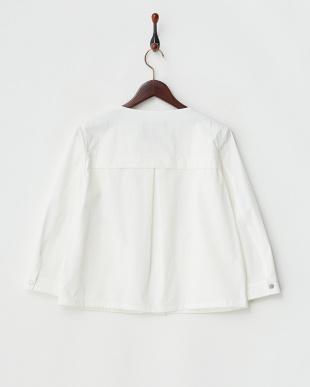 white ノーカラーシャツBZ見る