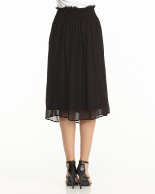 ブラック シャーリングスカート見る