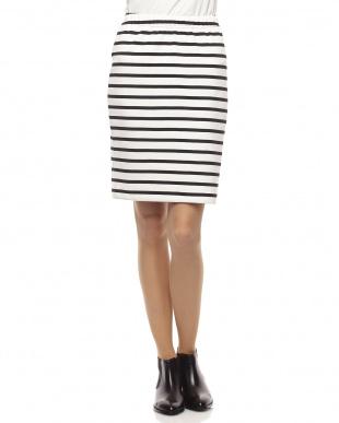 ブラック×ホワイトポンチボーダータイトスカート見る
