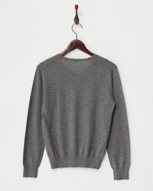 チャコールグレー  Vネックセーター見る