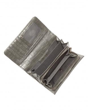 グレー フラップ式長財布見る