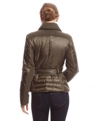 モスグリーン 差し込みベルト切り替えダウン入りジャケット見る