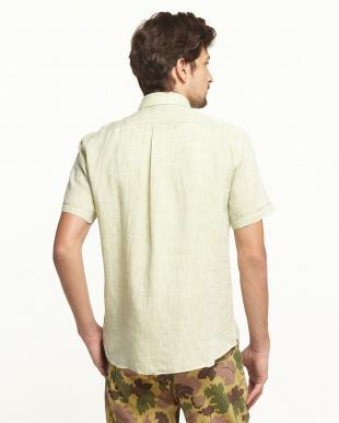 グリーン  リネン ボタンダウン 半袖シャツ見る