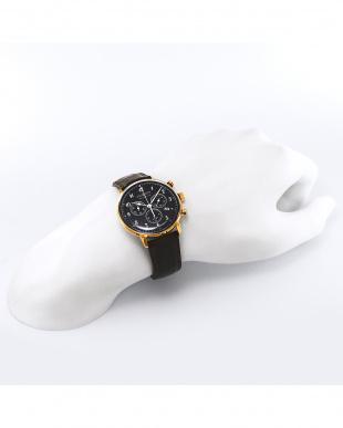 ブラック Hindenburg クォーツ腕時計見る