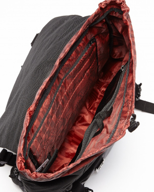 BLACK  OWENS 25L BACKPACK見る