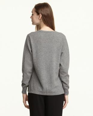 グレー  カシミヤ100%ラウンドネックセーター見る