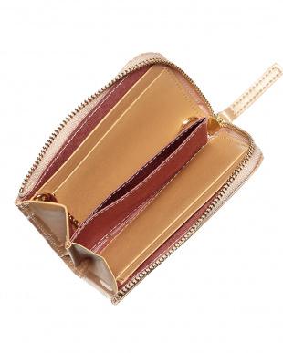 ベージュ  パスケース付きL字型ミニ財布見る