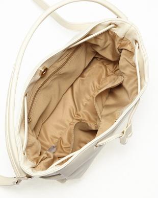 アイボリー  サイドポケット巾着ショルダーバッグ見る