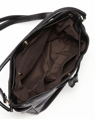 ブラック  サイドポケット巾着ショルダーバッグ見る