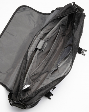 True Black Triple Ripstop FLINT MESSENGER(20L)見る
