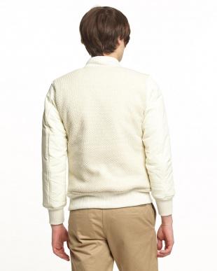ホワイト 中綿グランドジャケット見る