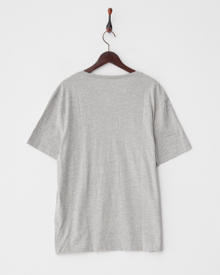 GREY VネックTシャツ見る