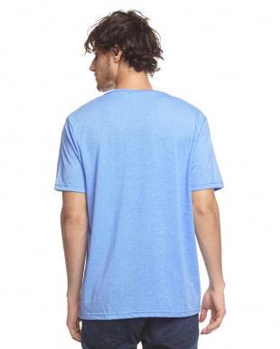 MID BLUE VネックTシャツ見る