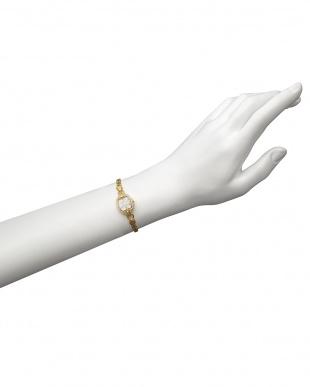 ホワイト×ゴールド エレガンス ブレスレットウォッチ|WOMEN見る