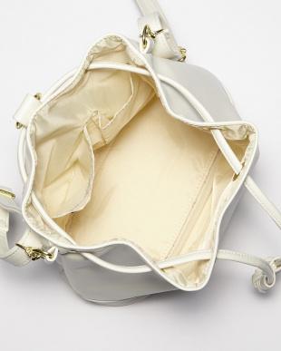 ホワイト  B:3WAY巾着バッグ見る