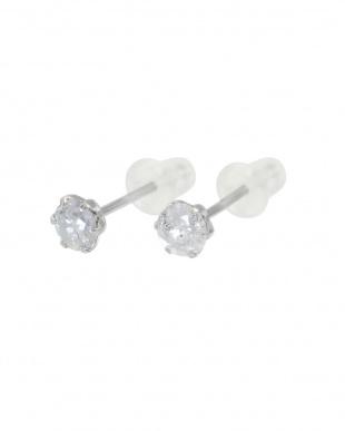 Pt900 天然ダイヤモンド0.3ct スタッドピアス見る