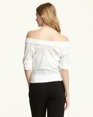 オフホワイト  オフショルVネックTシャツ 2見る