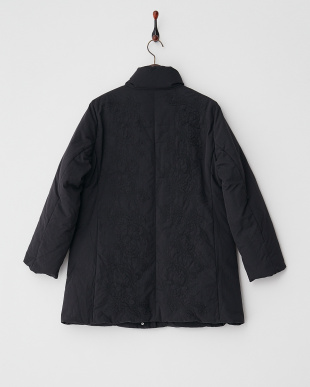 黒  フラワー刺繍ダウンハーフコート見る