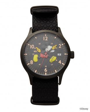 ブラック×ローズゴールドダイアル ミッキーマウス時計見る