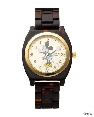 ゴールド×べっ甲柄ベルト ミニーマウス時計見る