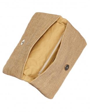 マルチカラー フラワー刺繍のクラッチバッグ 1見る
