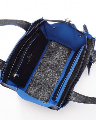 BLACK/BLUE  ポーチ付きレザー調トートバッグ見る