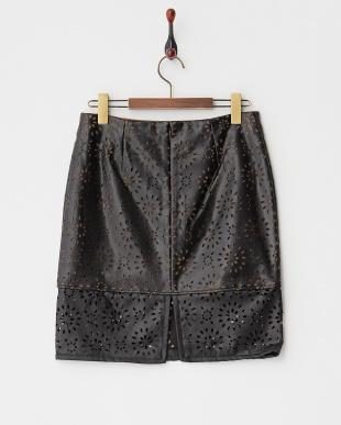 ブラック×カーキフラワーパンチングスカート見る