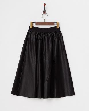 BLACK フェイクレザーフレアスカート見る