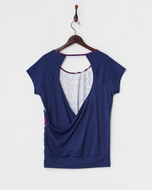 BSQ6 CLARITY TEEオープンバックTシャツ見る