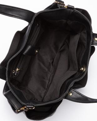 ブラック  ショルダーストラップ付きハンドバッグ A見る