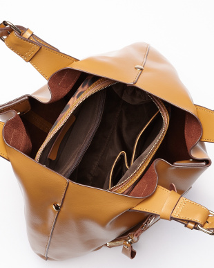 キャメル  バッグインバッグ付きハンドバッグ見る