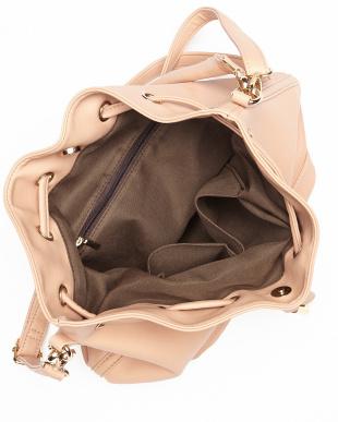 ピンク  チャーム付きレザー調巾着バッグ見る