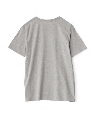 グレー  ワンポイント コットンTシャツ見る