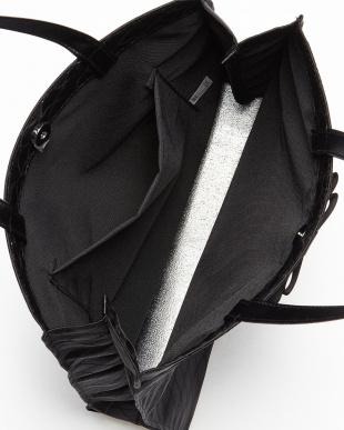 ブラック サブトートバッグ見る