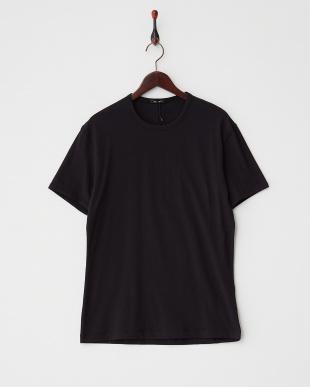 ブラック  クルーネックTシャツ見る