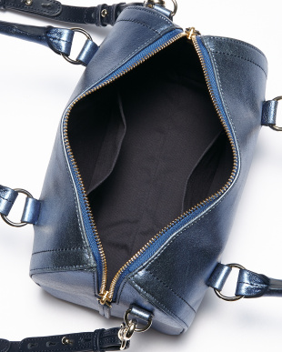 ブルー  ショルダー付きバッグ見る