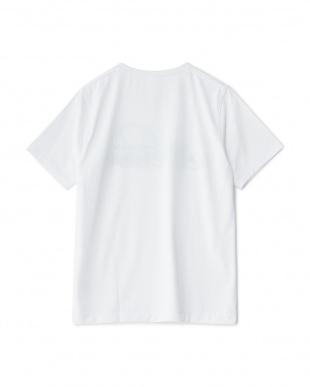 ホワイト×グリーン  ロゴTシャツ見る