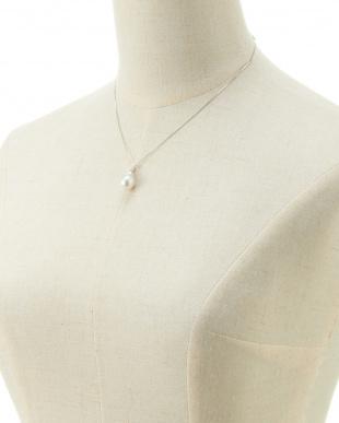 WHT×K18WG 南洋真珠ダイヤモンド0.12ctペンダントネックレス見る