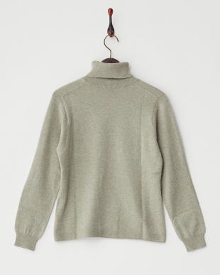 オリーブ  無地タートルネックセーター見る